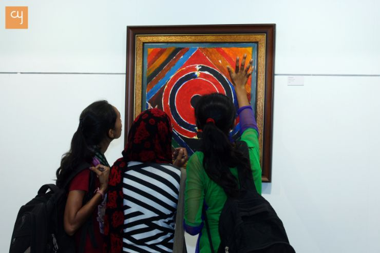 Syed Haider Raza, Girls try to feel paintings of Bindu series