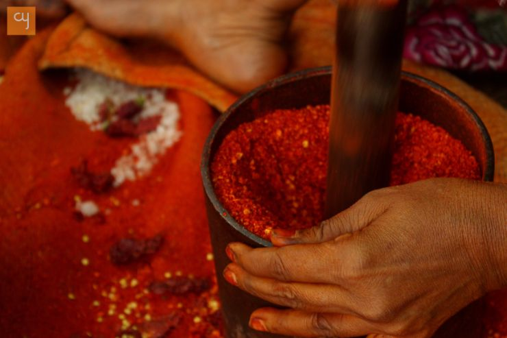 society, tradition, Arya Sanskrti, Mahajan, Baniya, business, read chilies, spices, spices grinding