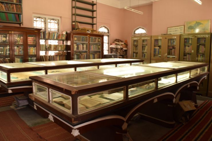 Hazrat Pir Mohammad Shah Library, the old city of Ahmedabad, Library, internal view of library, showcasing books, Arabic and Urdu Manuscripts
