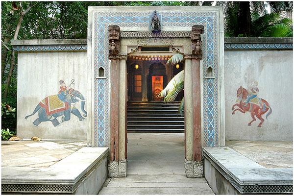 the Calico Museum, ahmedabad, gujarat, museum gate, entrance, indian traditional art & craft