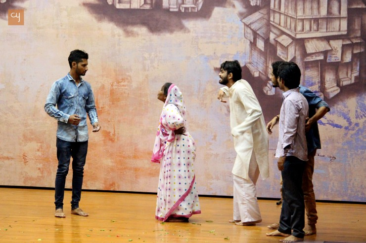 play beautiful blend of tradition, history, legend and the contemporary social realities of Ahmedabad