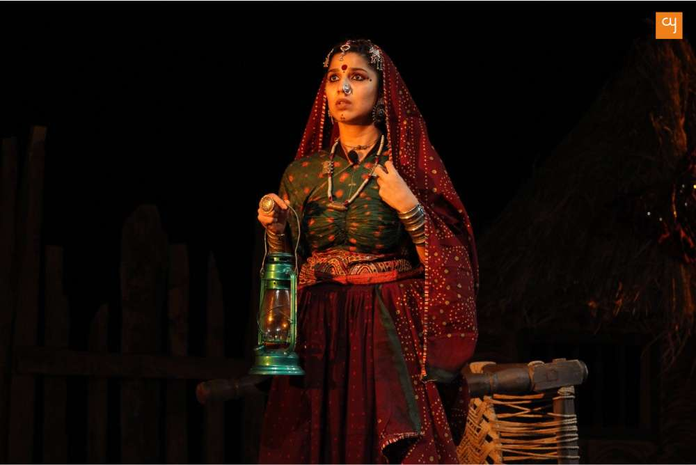 Gujarati Play Dhaad Review, Featuring RJ Devaki ,Gaurang Anand