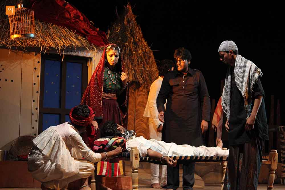 Review of Aditi Desai's new Gujarati play 'Dhaad' featuring RJ Devaki and Gaurang Anand, by veteran critic SD Desai
