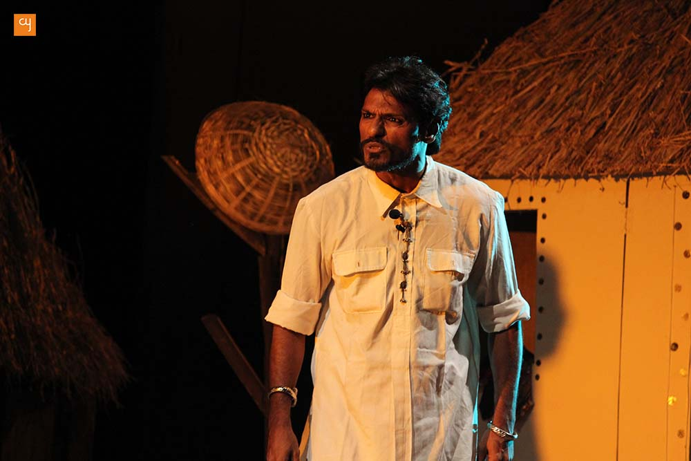 Review of Aditi Desai's new Gujarati play 'Dhaad' featuring RJ Devaki and Gaurang Anand