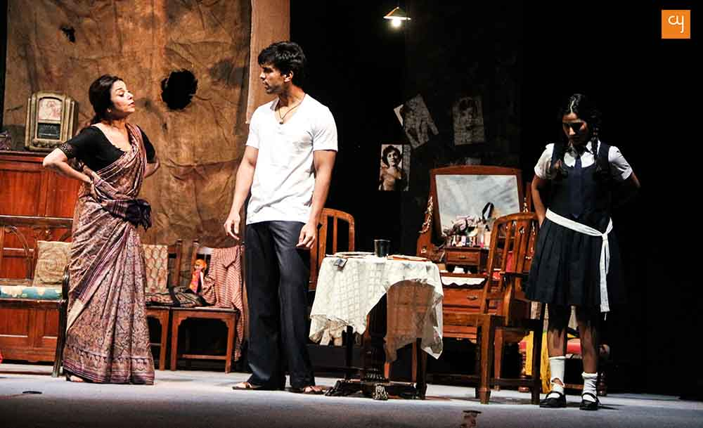 Mohan Rakesh's hindi play Adhe Adhoore, review, lillete dube