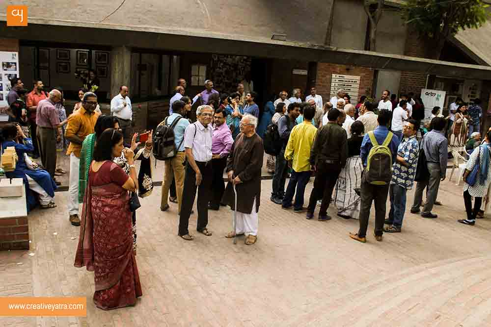 crowed-at-art-17-kanoria-centre-for-arts-ahmedabad