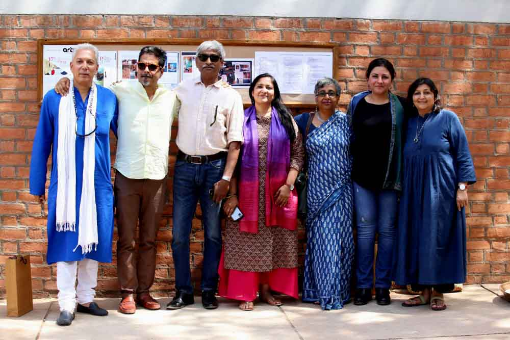Rahul-vora-sudarshan-shetty-rajesh-saggara-niharika-shah-sharmishta-mohanty-leena-yadav-sharmila-sagara-on-day-2-at-art-17