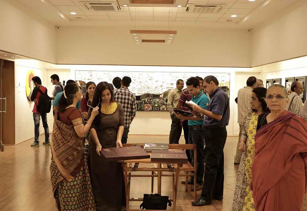 the-art-show-by-satya-art-gallery-navajivan-trust-people