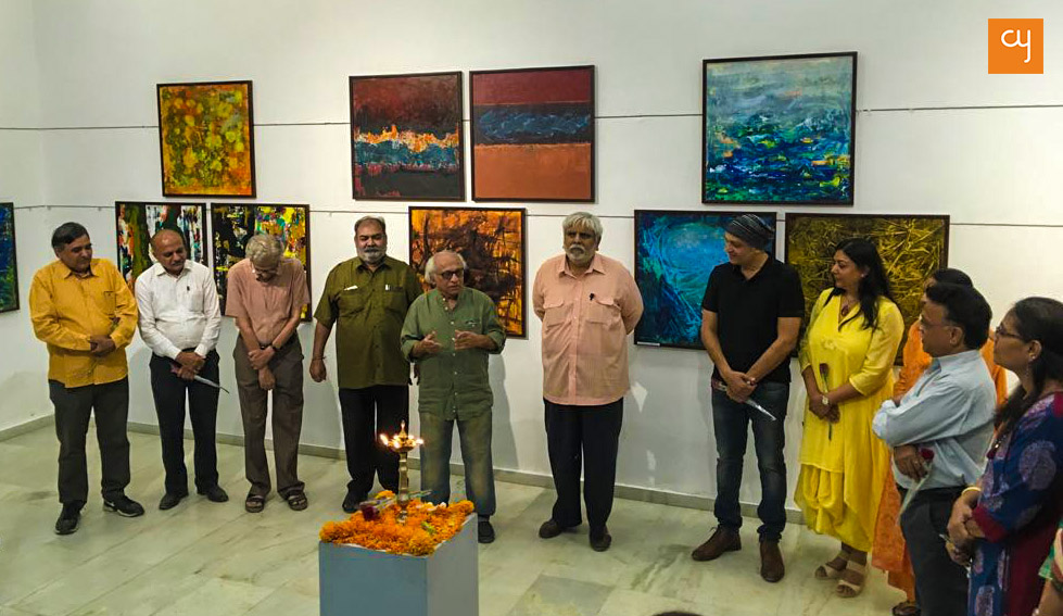 Vrindavan Solanki (centre) inaugurates the exhibition on March 3