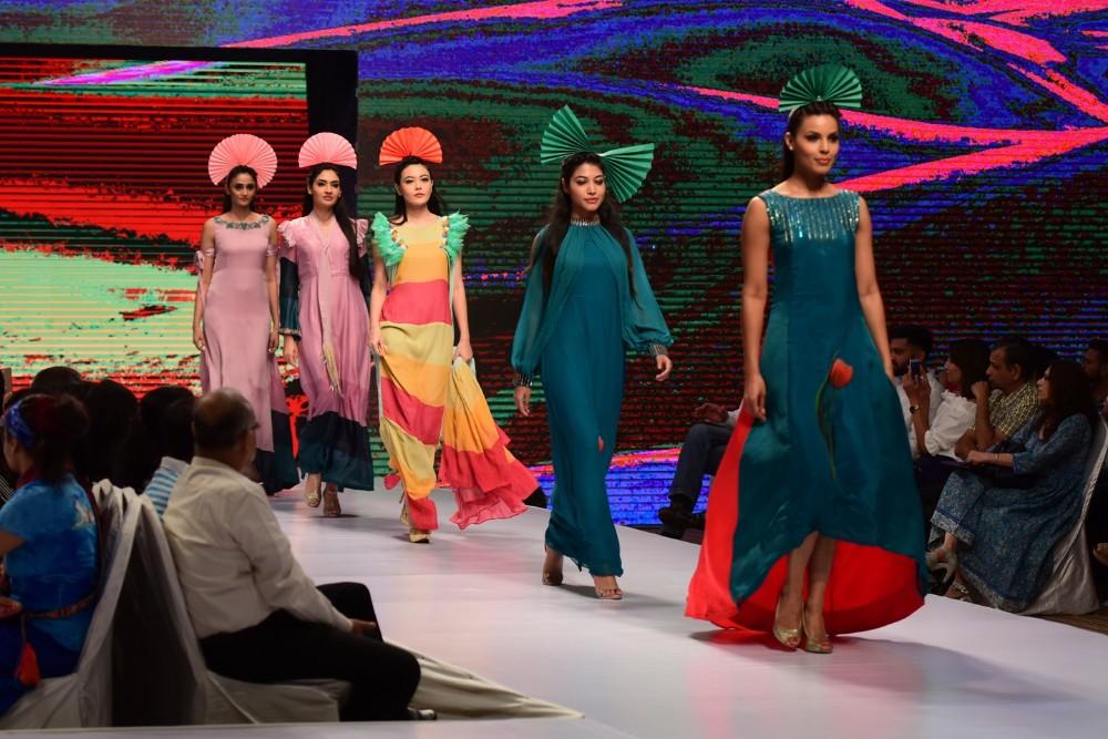 solunaris-you-nique-fashion-show-7
