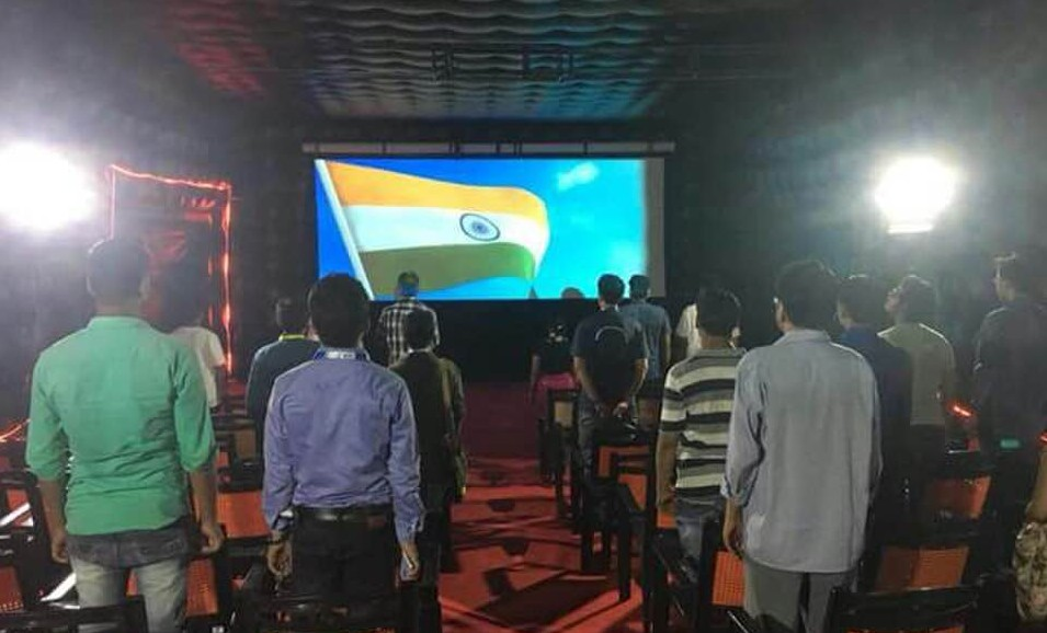 Satish Kaushik Converts Trucks into Theatres – Rural India Can Now Watch Films for Rs 35!