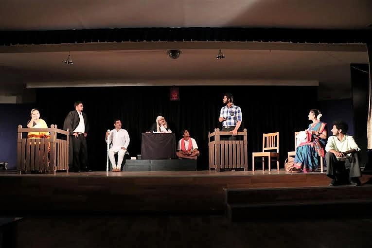 shantata-court-chaalu-aahe-vijay-tendulkar