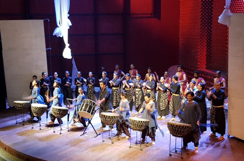 Natarani lays a red carpet for Symphony Orchestra