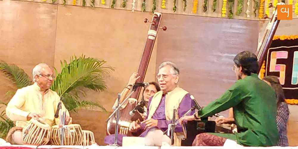 https://creativeyatra.com/wp-content/uploads/2019/01/Vidyadhar-Vyas-Saptak-Music.jpg